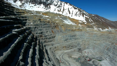 Anglo American has installed 256 photovoltaic panels at the tailings dam for its Los Bronces complex in Chile.