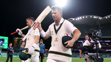 Marnus Labuschagne and David Warner didn't appear to have too much trouble batting under lights at the Adelaide Oval.