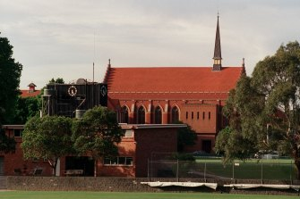 Residents who object to the expansion of schools such as Scotch College will no longer be able to take complaints to their local council.