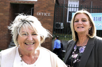 Principal of St Andrews Primary School (Malabar), Leonie Burfield (left/forward), and Star of The Sea Primary School (Miranda), Principal Rose Andre (right)