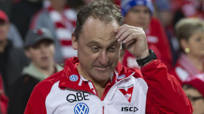 Longmire ignores North talk as rumours of 'unbelievable' offer swirl