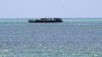 'They know they can't get busted': ABF watch on as tourism charters left to protect themselves from foreign fishers