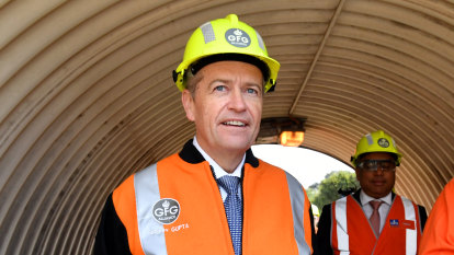 'The uncertainty kills everybody': Labor urged to release carbon policy detail