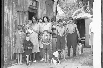A family in NSW in 1932. Our national public debt came close to 200 per cent of GDP during the Great Depression.