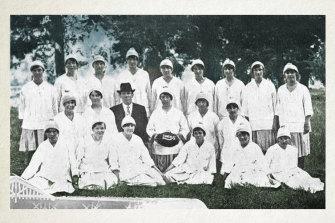 The Lucas Girls' fundraising football team, 1918.