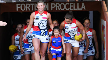 Bulldogs Open Their Aflw Season With Nervy Win Over Crows