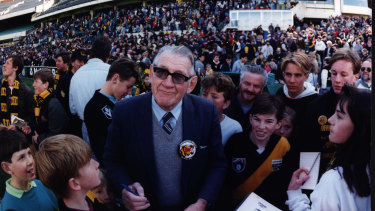 Jack Dyer surrounded by fans