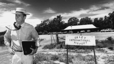 Tim Fischer, member for Farrer (Oxley was in his electorate), 1986.