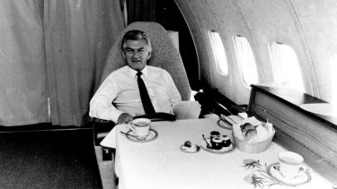 Bob Hawke in the VIP section of the BAC-111.