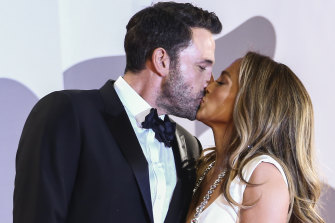 Ben Affleck and Jennifer Lopez step out on the red carpet.