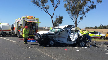 Warrego Highway closes after woman dies in crash west of Toowoomba