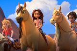 From left: Abigail Stone (Mckenna Grace) riding Boomerang, Lucky Prescott (Isabela Merced) riding Spirit and Pru Granger (Marsai Martin) riding Chica Linda in Spirit Untamed.