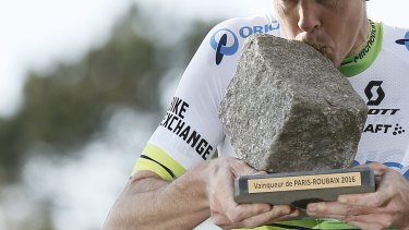 Australian Mathew Hayman won Paris-Roubaix in 2016.