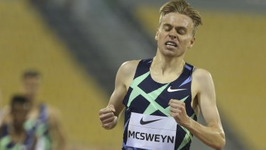 Stewart McSweyn wins the 1500m in the Diamond League meeting at Doha in September.