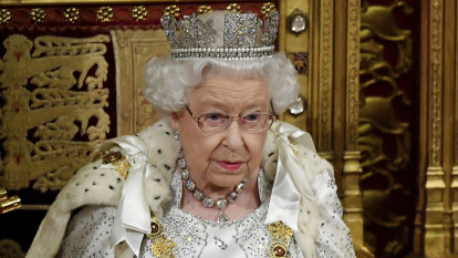 'This generation as strong as any': Queen urges Brits to respond to challenge