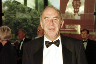 Clive James arrives at the Royal Albert Hall for the BAFTA award ceremony, 1997.