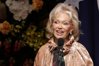 Bob Hawke's widow Blanche d'Alpuget speaks at his funeral.