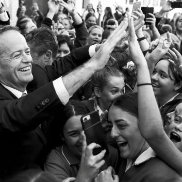 Bill Shorten meets students at St Joseph's Catholic College in Gosford.