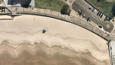 Nearmap's aerial mapping captures Bondi Beach cleared by COVID restrictions.