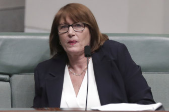 Federal Labor MP Joanne Ryan has called for greater transparency after struggling to find out daily case numbers in her electorate.