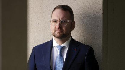 Regulator to scrutinise Industry Super footy final advertising blitz