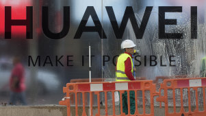 Britain clears away barriers against Huawei in the West.