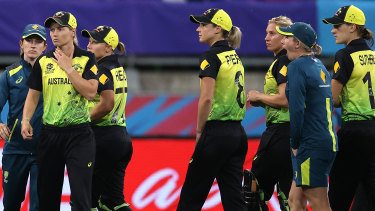 Australia face an early elimination from the World Cup if they cannot beat Sri Lanka on Monday.