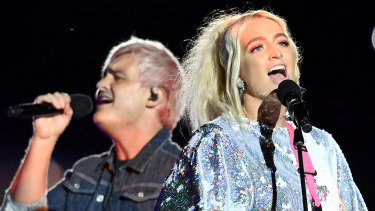 George and Emma Sheppard perform at the AFL Grand Final half-time show.