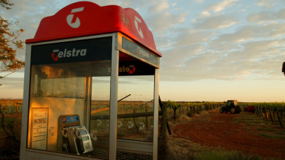 Telstra sues Optus in long simmering dispute over mobile networks