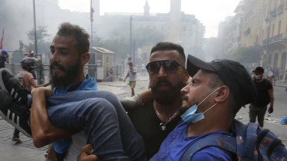 Early elections proposed as Beirut blast protests turn violent