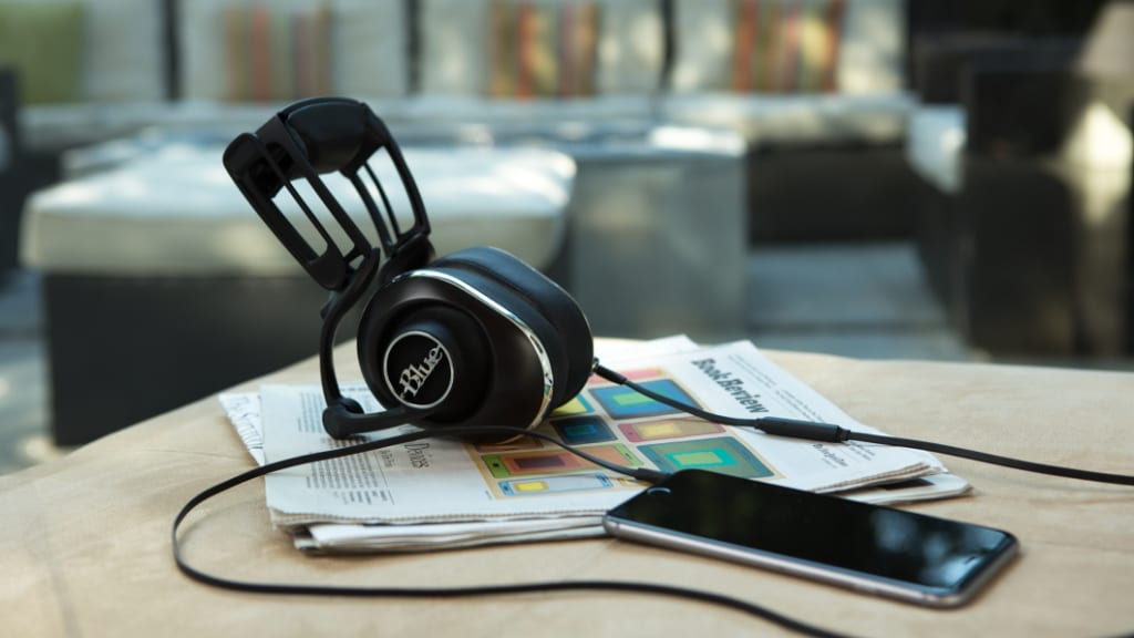 Blue Lola Review: Unique, Eye-Catching Headphones