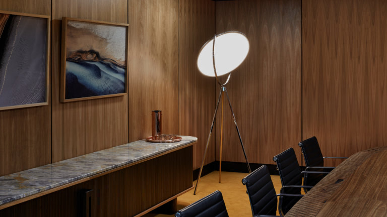 Architects Fly Back To 60s For Glamour Airport Office Design