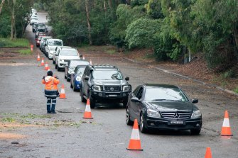 Northern beaches residents queue for COVID-19 testing in Frenchs Forest.