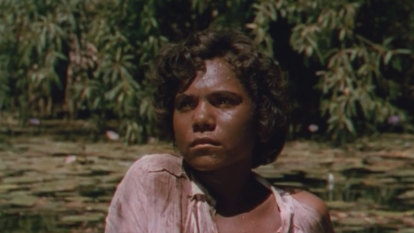 ABC serves up 1955 film Jedda with a warning, and it's a good thing too