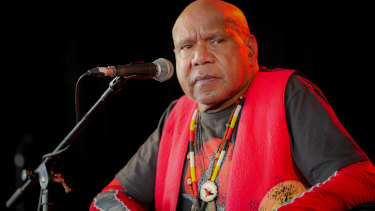 Archie Roach's voice gently wafted like the words were puffy clouds and the music a blue sky.