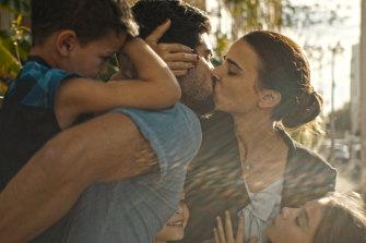 Orna (Liron Ben-Shlush) with her husband (Oshri Cohen).