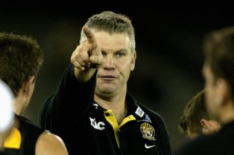 As a coach Danny Frawley had a colourful way of teaching contested-ball technique.
