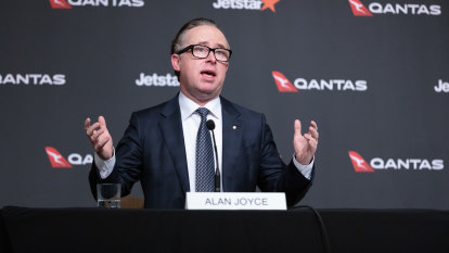 Qantas flies low as exec pay comes down from the clouds