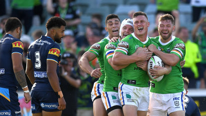 Red-hot Wighton gives Titans the blues before fan lockout kicks in