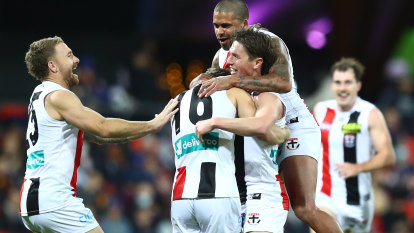 As it happened: Saints destroy Lions as Hipwood suffers suspected ACL injury, Cats ease past Blues, Freo thump Hawks