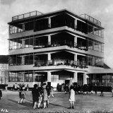 Bernard Bijvoet, Jan Duiker, Open Air School for Healthy Children, Amsterdam, 1927-30.