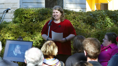 Kate Lilley speaking at her mother's wake at Varuna, the Writer's House in 2002.,