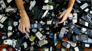 Australians are being urged to recycle their old phones.