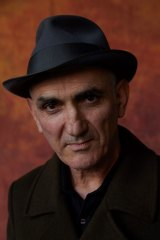Paul Kelly read and sang poetry.