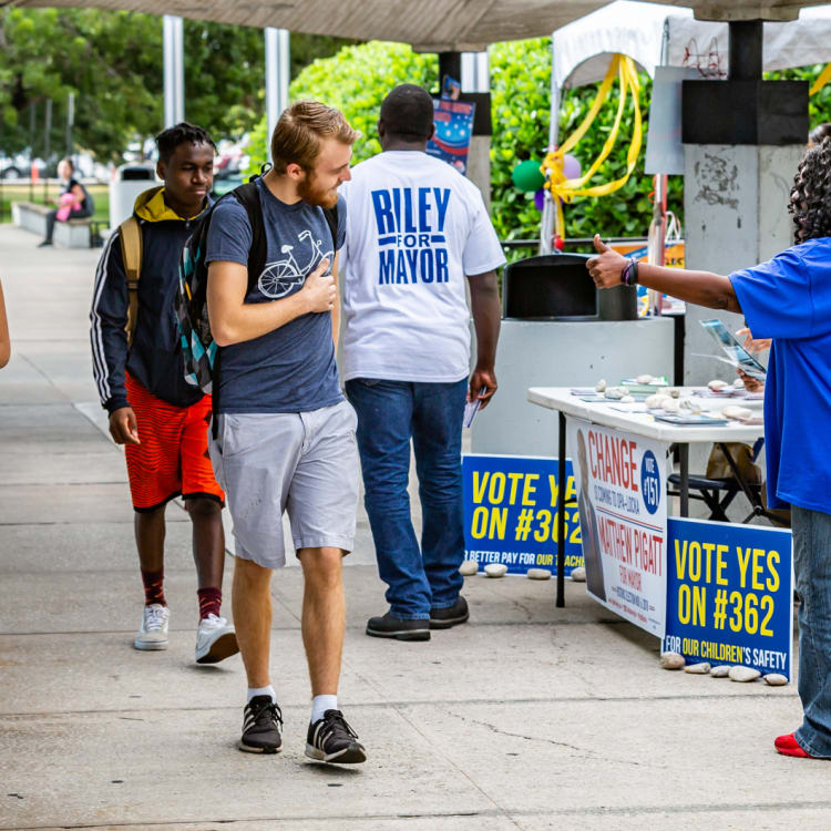 Enrol to vote: students campaign to get their classmates engaged in Miami.