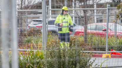 Worksafe closes in on school asbestos source in ACT, tests more sites