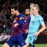 Toothless Barca booed off pitch, Reds move closer to knockout stage