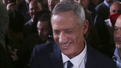 Palestinians warm to Netanyahu rival after settlement comments
