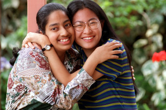 Kavita Enjeti, left, with her friend Ju-Lee Ooi, who both received a 100 TER in 1998.
