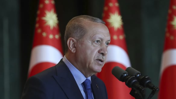 Turkey's currency crisis tests Erdogan's strongman approach